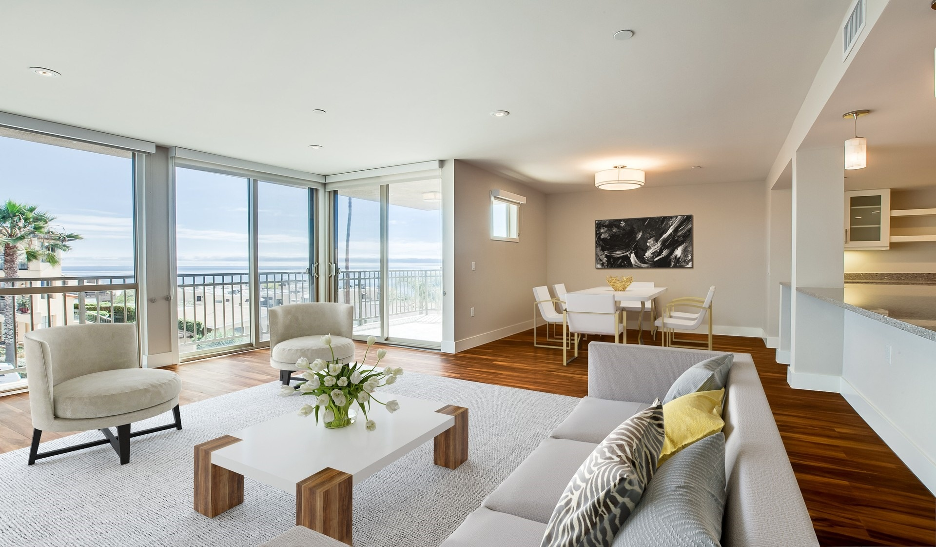 Ocean House Apartments - La Jolla, CA - Interior Living Area